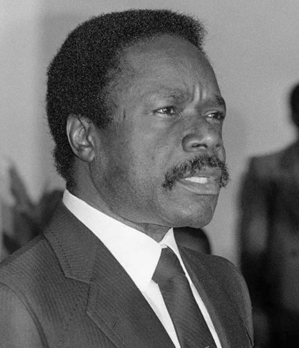 9. Décès d'Omar Bongo Ondimba, pilier de la Françafrique