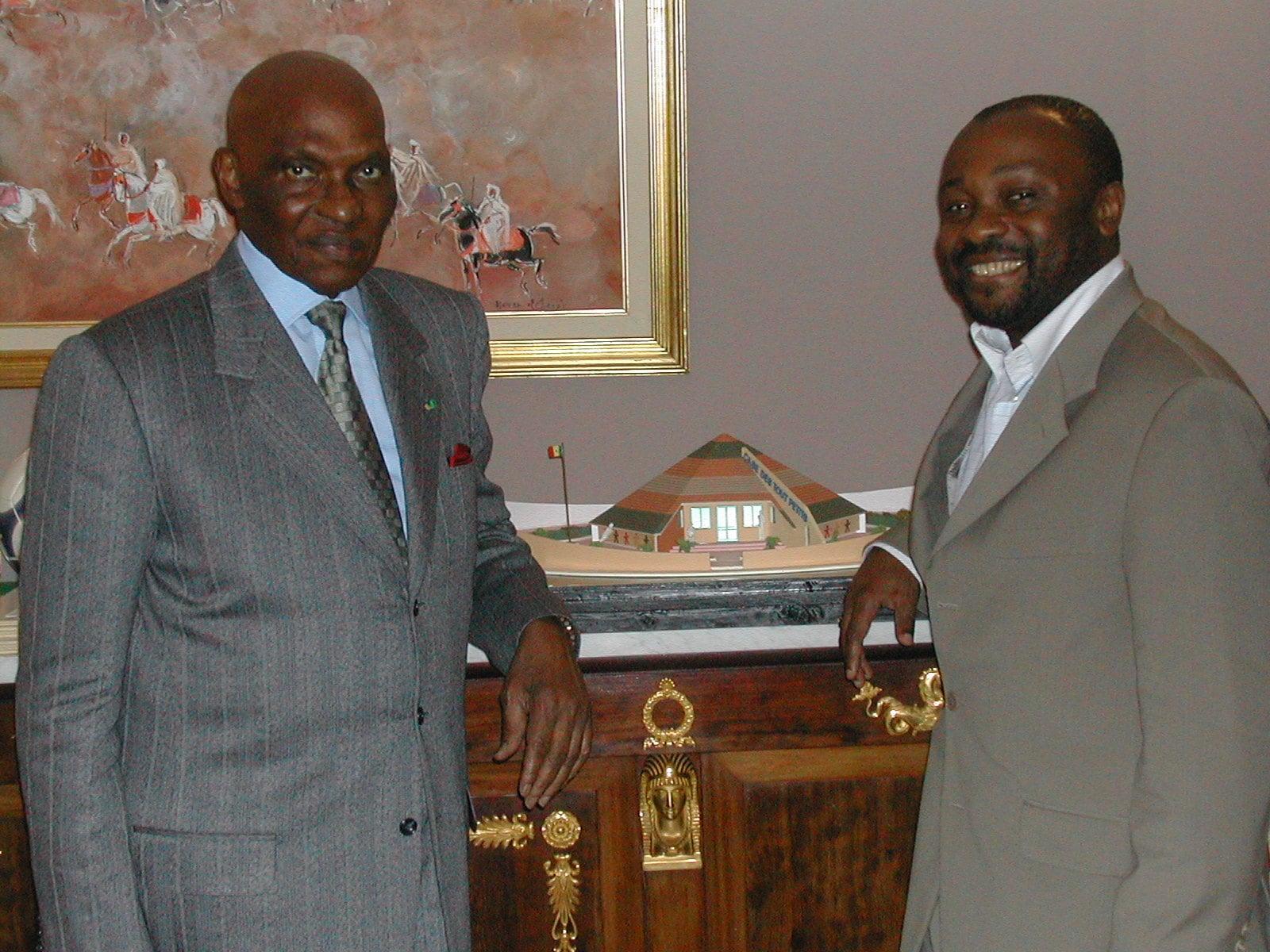 """<span  class=""""uc_style_uc_tiles_grid_image_elementor_uc_items_attribute_title"""" style=""""color:#ffffff;"""">Abdoulaye Wade, ancien président du Sénégal</span>"""